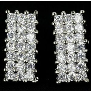 Unique white Topaz post Earrings New 925